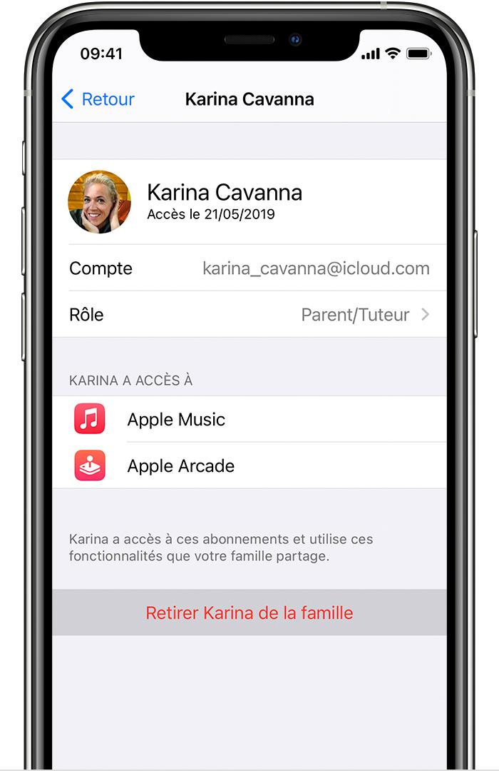 iPhone affichant Retirer Karina de la famille