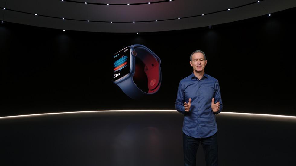 Jeff Williams unveiling Apple Watch Series 6.